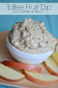 Toffee Fruit Dip | Blue Lemon | Copycat recipe | Apple dip | Appetizer | Party food | Game night | Dessert bar | ambersimmons.com