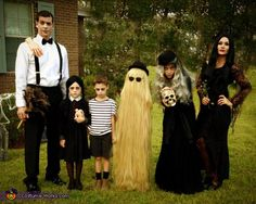 The Addams Family Costume - Halloween Costume Contest via can find Family costumes and more on our website.The Addams Family Costume - Hallo. Addams Family Halloween Costumes, Adams Family Halloween, Halloween Costume Contest, Fete Halloween, Holidays Halloween, Halloween Kids, Costume Ideas, Zombie Costumes, Baby Costumes