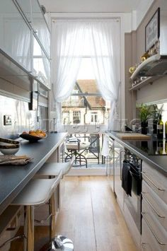 1000 images about narrow kitchen zk kuchyn on pinterest galley kitchens narrow kitchen - Long galley kitchen ideas ...