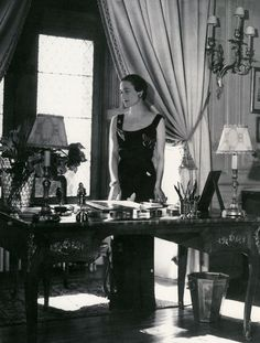 Wallis Simpson, future duchesse de Windsor, Domaine de Candé (chambre de Fern Bedaux), Cecil Beaton, 1937.