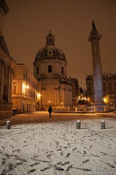 La neve a Roma - La Basilica Ulpia e la Colonna di Traiano | Flickr - Photo Sharing!  Feb 11 2012