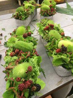 Fris herfststuk met sierkomkommer-bramen-sedum en hortensia