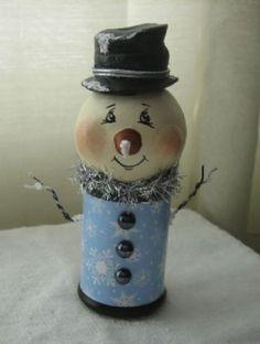 Snowman Spoolie by Primitive Pineapple
