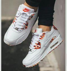 size 40 664d2 49d3b Nike Zapatos Deportivos, Ropa Tumblr, Moda Con Zapatillas, Zapatillas Para  Correr, Tipos