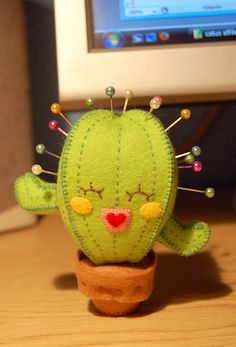 Felt cactus pincushion-- this is precious Felt Crafts, Fabric Crafts, Sewing Crafts, Diy And Crafts, Kids Crafts, Arts And Crafts, Craft Projects, Sewing Projects, Felt Ornaments