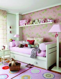 Jurnal de design interior - Amenajări interioare : Accente de mov într-un apartament din Spania