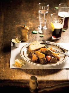 Ricardo& recipe: Beef and Beer Stew Slow Cooker Beef, Slow Cooker Recipes, Beef Recipes, Cooking Recipes, Recipies, Irish Stew, Beer Stew Recipe, Creamed Beef, Confort Food