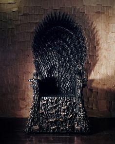 O Trono de Ferro de Game of Thrones feito com brinquedos
