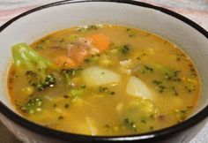 Brokkolileves gazdagon Soup Recipes, Chicken Recipes, Vegan Recipes, Vegan Food, Yellow Split Pea Soup, Hungarian Recipes, Soups And Stews, Curry, Food And Drink