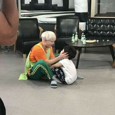 I knew Yoongi loves children! Min Yoongi Bts, Min Suga, Bts Taehyung, Bts Bangtan Boy, Bts Jimin, Namjoon, Yoonmin, Foto Bts, Bad Boy
