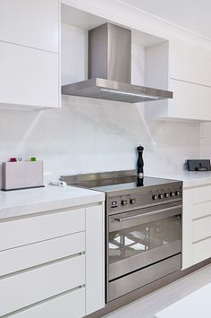Calacatta Nuvo - White base with grey veins.  Caesarstone