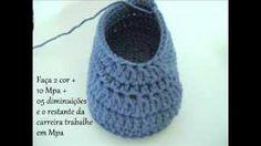 Passo a passo Sapatinho de Bebê em Croche - crochet baby bootie, via YouTube.