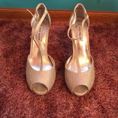 Steve Madden Heels Steve Madden heels, worn once, size 9, about a 6 inch heel, jeweled detail, strap around ankle Steve Madden Shoes Heels
