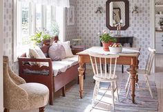 Kitchen sofa and table Decor, House Styles, Vintage Dining Room, Sweet Home, Household Decor, Interior Design, Home Decor, House Interior, Kitchen Sofa
