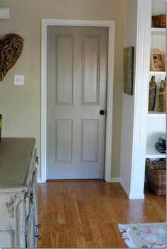 Grey door house painted interior doors, bedroom doors и interior door color Interior Door Colors, Grey Interior Doors, Painted Interior Doors, Grey Doors, Painted Doors, Interior Painting, Painted Bedroom Doors, Black Doors, Interior Ideas