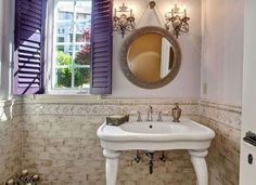 Console Sink in Bathroom