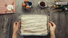 Prăjitura care a înnebunit planeta! Este demențial de bună! - savuros.info Dessert Cake Recipes, Desserts, Food Cakes, Cos, Bread, Sweet Treats, Cakes, Deserts, Dessert
