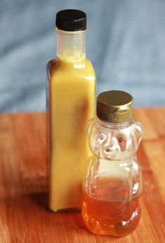 Homemade Honey Mustard Dressing honey, dijon mustard, white wine vinegar mix all ingredients together and dip away or pour on your greens Homemade Honey Mustard, Salsa Dulce, Honey Mustard Dressing, Salad Dressing Recipes, Salad Dressings, Marinade Sauce, Homemade Dressing, Homemade Sauce, Soup And Salad