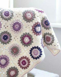 Transcendent Crochet a Solid Granny Square Ideas. Inconceivable Crochet a Solid Granny Square Ideas. Motifs Granny Square, Crochet Square Patterns, Crochet Motifs, Crochet Squares, Crochet Blanket Patterns, Crochet Stitches, Granny Squares, Crochet Blankets, Granny Pattern