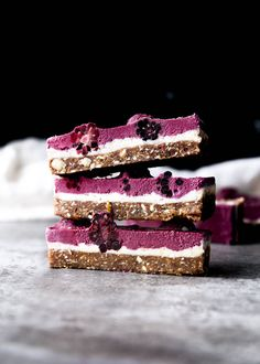 Raw Blackberry Coconut Cashew Slice. Yes it's vegan and paelo and all that good stuff, but more importantly it's DELICIOUS.