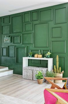 How to Paint an Easy Living Room Accent Wall with Frames for TextureModern Cool Ways to Paint Walls 2018 Wall decor living room Wallpaper accent wall Wood accent wall Accent walls in living room Wood accent wall bedroom Bathroom accent wall Green Accent Walls, Accent Wall Colors, Accent Walls In Living Room, Accent Wall Bedroom, Living Room Green, Living Room Paint, Living Room Decor, Bedroom Green, Green Walls