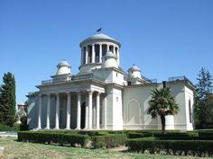 El Real Observatorio Astronómico de Madrid fue fundado por iniciativa del rey Carlos III quien aceptó la sugerencia hecha por el gran científico Jorge Juan.
