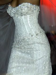 Leger Kurz Gestackt Blumen Hochzeitskleid mit trennbarer Schleppe ...