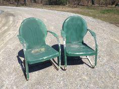 Gilkison vintage metal chair. See history at www.midcenturymetalchairs.com Vintage Metal Glider, Vintage Metal Chairs, Garden Chairs, Garden Seat, Glider Chair, Lawn Furniture, Spring Steel, Gliders, Love Seat
