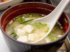 Soupe Miso traditionnelle - Recette de cuisine Marmiton : une recette
