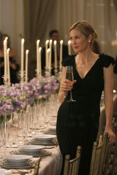 "Kelly Rutherford portrays the character of Lily van der Woodsen in the episode ""High Society""....."