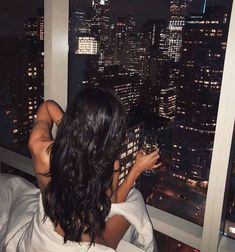 Watch and command live girls for free on FreeBestCams . Boujee Aesthetic, Badass Aesthetic, Night Aesthetic, Bad Girl Aesthetic, Foto Mirror, Foto Glamour, Boujee Lifestyle, Fille Gangsta, Curls For Long Hair