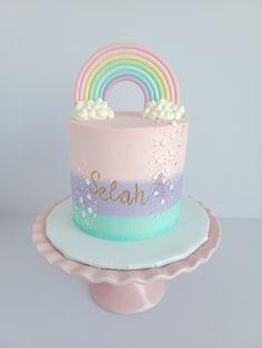 Baby Girl Birthday Cake, Rainbow First Birthday, 4th Birthday Cakes, Pretty Birthday Cakes, Baby Girl Cakes, Birthday Ideas, Bolos Pool Party, Pastel Cakes, Gateaux Cake