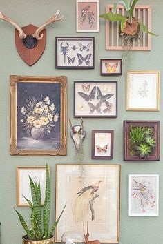 Some of you might recall that I took on the 4 simple goals before 2013 challenge set out by the ladies at A Beautiful Mess. Kitchen Gallery Wall, Gallery Wall Bedroom, Gallery Wall Frames, Plant Painting, Painting Collage, Painting Gallery, Frame Wall Collage, Frames On Wall, Gallary Wall