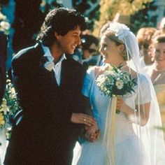The Ultimate Movie and TV Weddings Gallery robbie (adam sandler) and julia (drew barrymore) . the wedding singer Wedding Movies, Wedding Scene, Wedding Stuff, Julia Roberts, Singer Costumes, Jenifer Aniston, Cinema Tv, Romance Film, Paranormal Romance