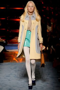 loving this outfit. that mint skirt. Miu Miu Spring 2014 RTW - Runway Photos - Fashion Week - Runway, Fashion Shows and Collections - Vogue Cozy Fashion, High Fashion, Fashion Show, Fashion Design, Miu Miu, Designer Tights, White Tights, Review Fashion, Carrie Bradshaw