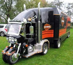 Trike & Trailer ? Leave It To Harley Davidson To Create Something Off The Wall.... I would not to have to turn this unit at any speed about 10 MPH... lol