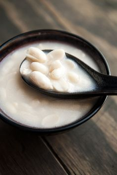 chinese sweet peanut soup