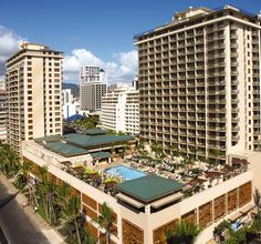 """Hawaii-Oahu - Embassy Suites - Waikiki Beach Walk - FREE nights (room, duration & date restrictions apply). FREE """"made to order"""" breakfast daily. Waikiki Beach, Oahu Hawaii, Hawaii Beach, All Inclusive Vacations, Dream Vacations, Embassy Suites, Hotel Packages, Great Hotel, Vacation Places"""