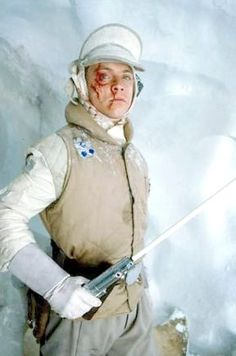 Mark Hamill as Luke Skywalker after surviving a Wampa attack on this ice planet Hoth in Star Wars The Empire Strikes Back Star Wars Luke Skywalker, Mark Hamill Luke Skywalker, Star Wars Episoden, Star Wars Personajes, Princesa Leia, Star Wars Pictures, The Empire Strikes Back, Love Stars, Blue Harvest