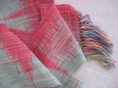 clasp weft weave