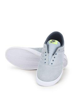 http://static14.jassets.com/p/Nike-Mini-Grey-Sporty-Sneakers-5713-773107-7-gallery2.jpg