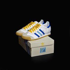 """437 Likes, 6 Comments - Snkrs.com + Sneakers.fr (@snkrs) on Instagram: """"L'adidas Rom """"Zissou"""" portée par Bill Murray dans le film Wes Anderson La Vie Aquatique (The Life…"""""""
