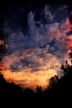 mystic-revelations:  sunset (by triciadavidge)