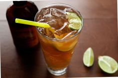 Dark 'n Stormy - This easy classic cocktail recipe from Bermuda contains Gosling's Black Seal dark rum, ginger beer, and lime. Classic Cocktails, Summer Cocktails, Ginger Beer, Raw Ginger, Ginger Syrup, Spiced Rum, Ron, Cocktail Recipes, Drink Recipes