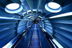 Atomium Escalator by saturn ♄, via Flickr