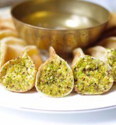 atayef 3assafiri   crêpes syriennes farcies de crème au mascarpone