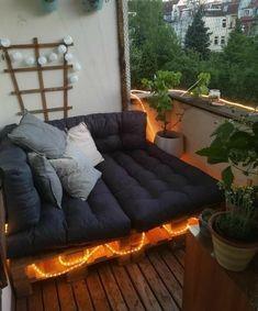 Outdoor love nest
