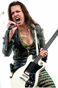 The incrediblly, awesome, spectacular Lzzy Hale