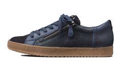 Schmucke Pauls mit farblichen Ledermix. paul-green.com #paulgreen #leatherstyle Dna, Stitch, Sneakers, Board, Shoes, Style, Fashion, Paul Green Shoes, Leather