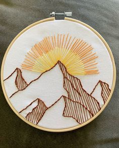 Handmade embroidered mountains and sun - embroidery hoop art - Handmade embroidered mountains and sun 6 embroidery Embroidery Flowers Pattern, Embroidery Patterns Free, Hand Embroidery Stitches, Modern Embroidery, Embroidery Hoop Art, Vintage Embroidery, Simple Embroidery Designs, Beginner Embroidery, Crystal Embroidery
